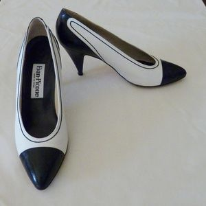 Evan Picone Spectator Pumps  8 M Made in Spain